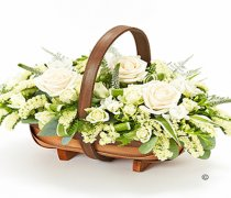 Cream and White Mixed Basket Spray Code: F13070WS